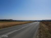Widok na Ostrą Górę między Mierzęcicami a Toporowicami