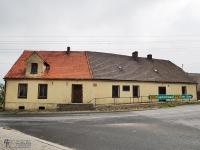 Budynek dawnej szkoły w Lubszy, w której nauczał J. Lompa