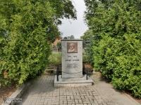 Pomnik J. Lompy w Lubszy