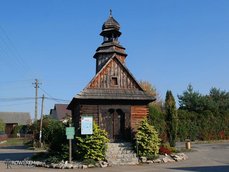 Drewniana Kapliczka Matki Boskiej Różańcowiej w Bukowie