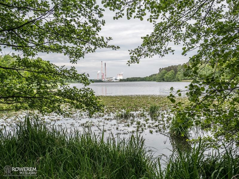Zbiornik Gzel i widok na elektrownie