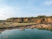 Turkusowe wody w kamieniołomie Gródek