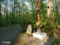 kapliczka w lasach Murckowskich