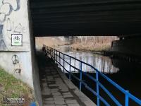 Przejazd pod mostem rzeki Bobrek