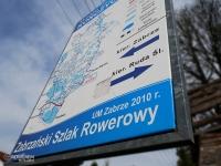 Tablica informacyjna z mapą szlaku
