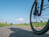 Asfaltowa droga rowerowa między Żarkami a Mirowem