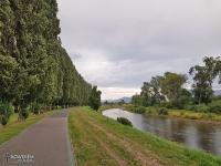 Droga rowerowa wzdłuż rzeki Wag w Liptowskim Mikułaszu