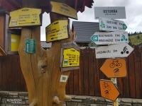 Oznakowania szlaków w Ostruni