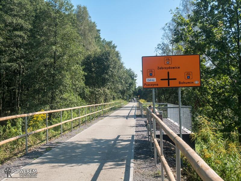 Żelazny Szlak Rowerowy - tablica informująca o skrzyżowaniu szlaków