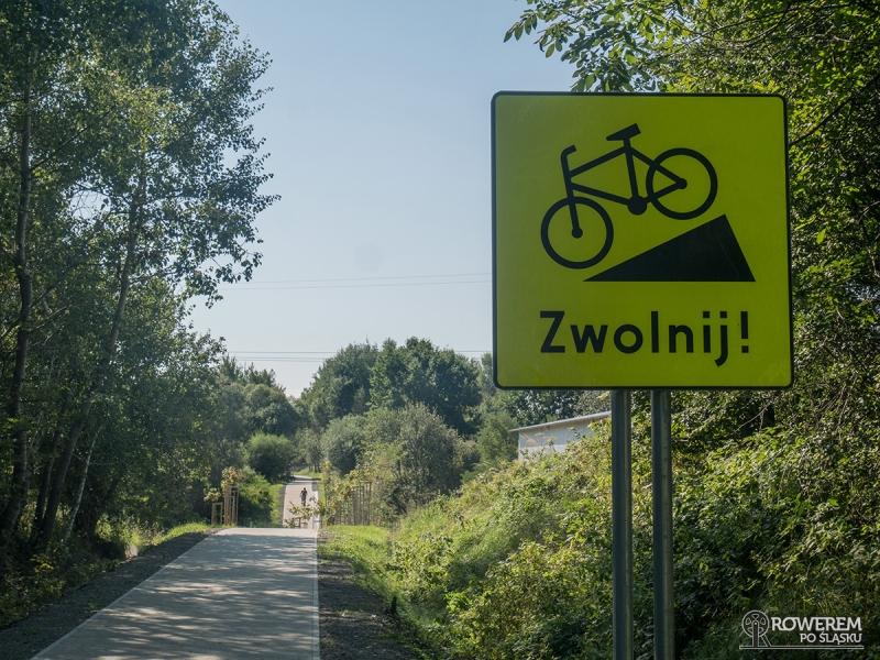Żelazny Szlak Rowerowy - ostrzeżenie o niebezpiecznym zjeździe