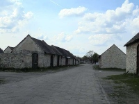 Zabytkowe stodoły w Żarkach