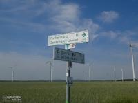 Oznakowanie szlaku i pola wiatraków