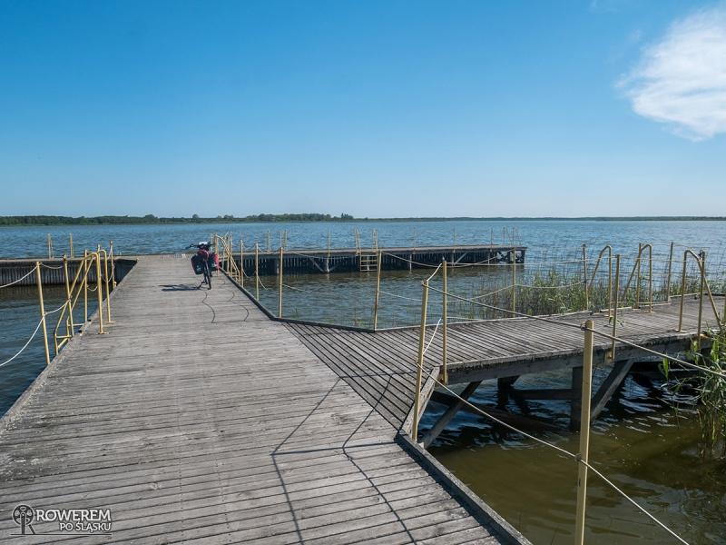 Pomost widokowy na jeziorze Wicko