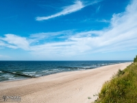 Szeroka, piaszczysta plaża Bałtyku