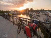 Zachód słońca nad portem w Łebie