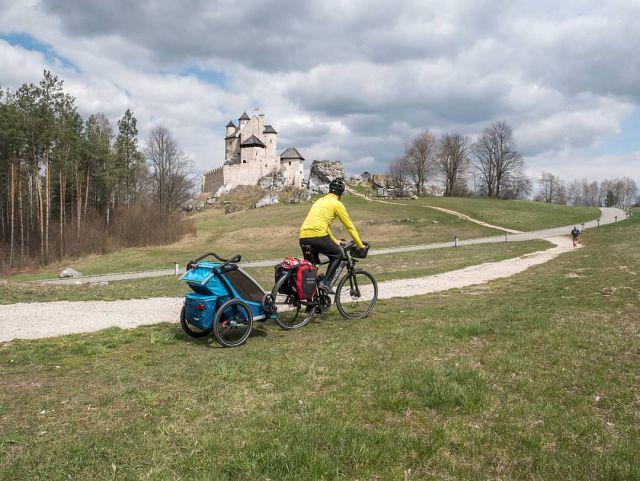 #roweremposlasku #rowerempośląsku #slaskietravel #slaskie #wycieczka #wycieczkarowerowa #podróże #podróżemałeiduże #podrozezdzieckiem #jura #juratravel #jurakrakowskoczestochowska #zamek #castle #zamekbobolice #zamekkrólewski #naszapolska #polskajestpiekna #krajobrazypolskie #rowerowo #bike #bikelife #thule #dzieciakiwplecaki