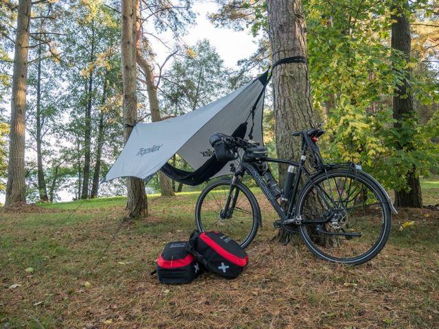 #rowerempośląsku #roweremposlasku #wyprawka #wyprawarowerowa #podróże #podróżemałeiduże #travel #autumn #october #bike #bikelife #tripbike #Kaszuby #jeziorodybrzk #barwyjesieni #leśnedrogi #sciezkarowerowa #biwak #hamak #tropilex #sakwiarze #rowerowelove #kross #krossbike